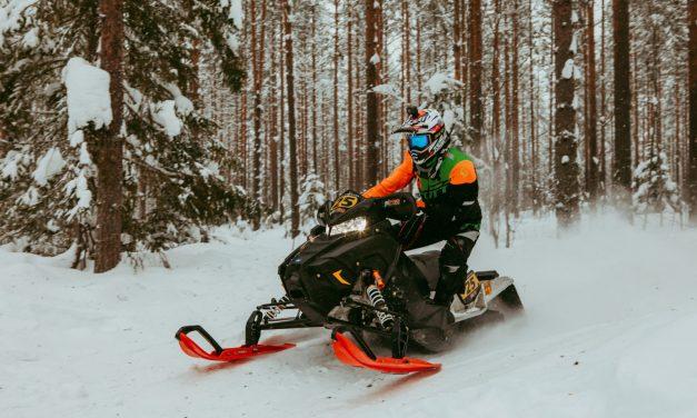 Niskanen moottorikelkkasprintin Suomen mestariksi