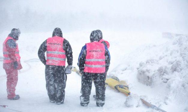 Hurjat sääolot keskeyttivät snowcrossin SM-avauksen Kokkolassa